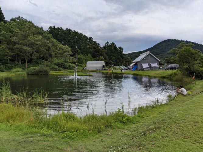 受付(センターハウス)近くの池