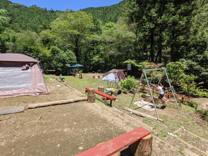 棚田みたいなキャンプサイトです。