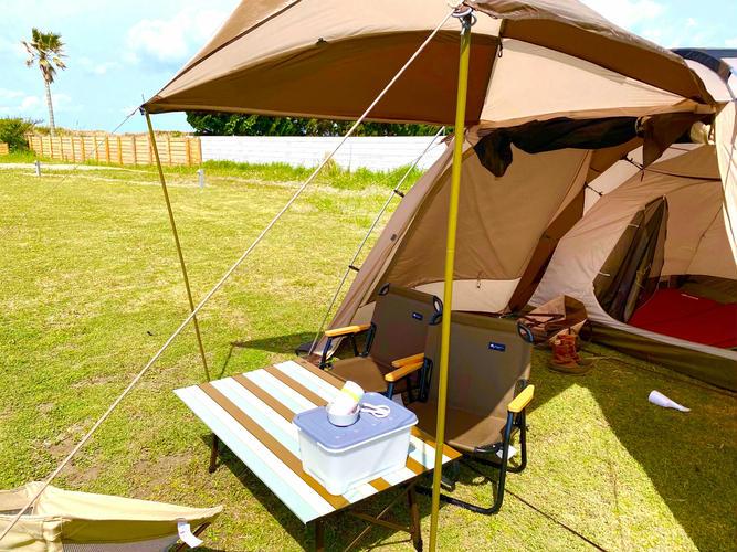 手ぶらキャンプ/設営体験もできる芝サイト